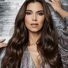 Photo by Jesus Cordero.With Roselyn Sanchez